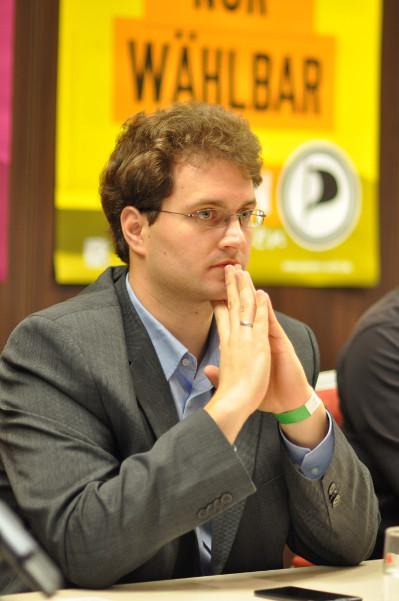 Sebastian Nerz bei der Pressekonferenz in Bochum