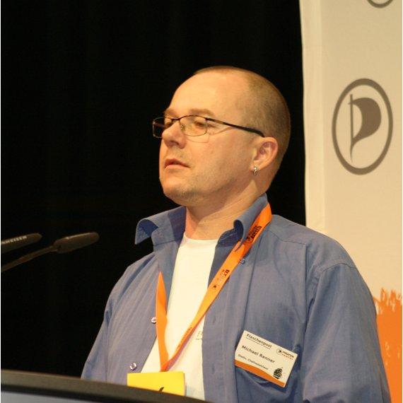 Michael Renner beim Bundesparteitag 2012 in Bochum