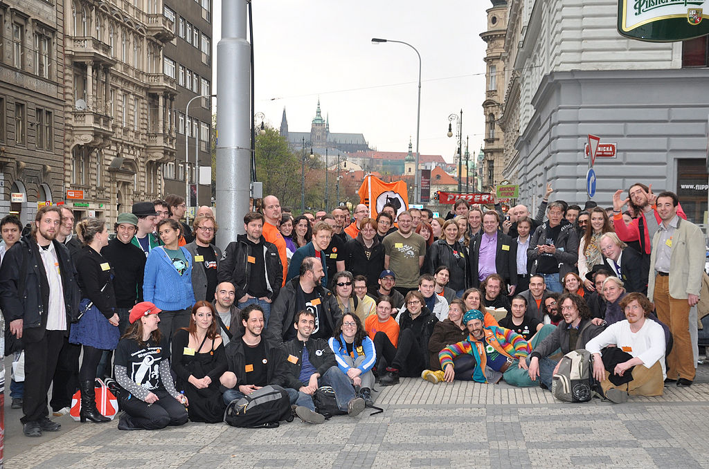Das Treffen in Prag im April 2012 | By Czech Pirate Party [<a href=http://www.gnu.org/copyleft/fdl.html>GFDL</a> or <a href=http://creativecommons.org/licenses/by-sa/3.0>CC-BY-SA-3.0-2.5-2.0-1.0</a>], via Wikimedia