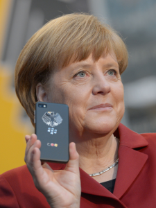 Merkel-handy-by-deutsche-messe