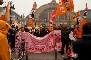 Demonstration flaschenpost for Stenkelfeld silvester