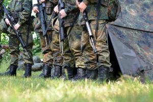 Rekruten in der Grundausbildung bei der Bundeswehr | CC BY 3.0 Dirk Vorderstraße
