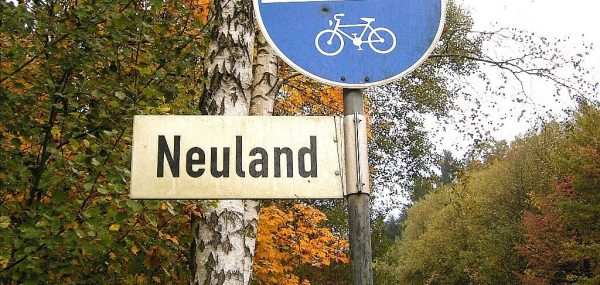 Neuland | CC BY SA 3.0 Frank Vincentz via Wikimedia Commons